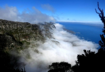 Fog creeping up the 12 Apostles